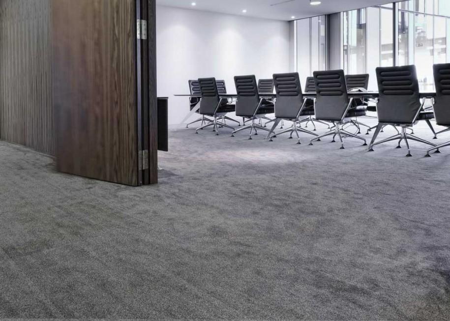 Karpet dengan Permukaan Motif